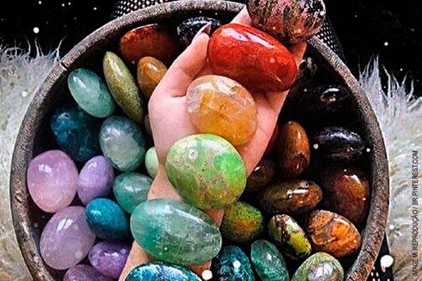 chakras-cristais-pedras